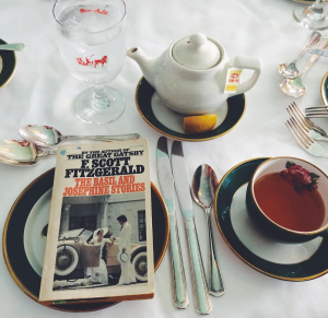 books_tea_grand_hotel